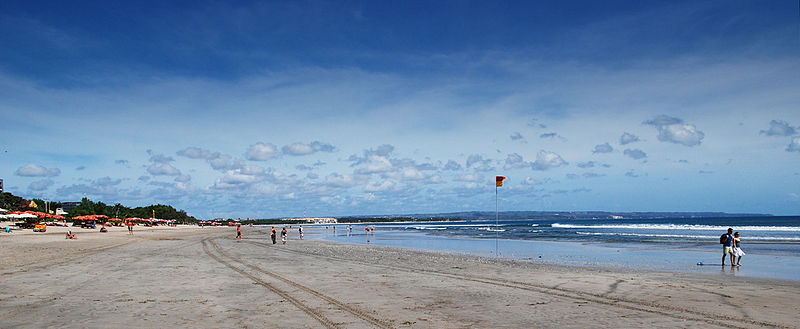 William Cho, Bali – Kuta (2692344570), CC BY-SA 2.0