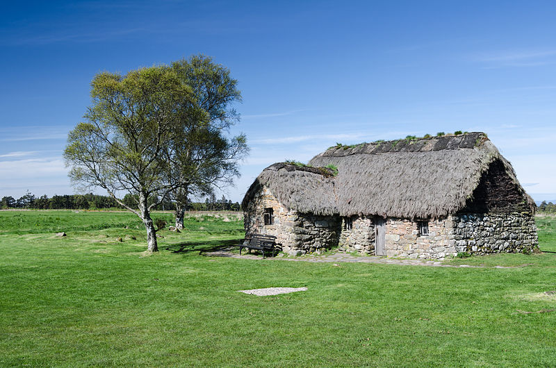Florian Fuchs, Culloden Battlefield- Leanach Cottage in Culloden Moor, CC BY 3.0 Via Wikimedia Commons