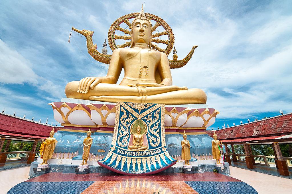 Big Buddha | Image Credit: Maksim Sundukov, Big Buddha in Big Buddha Temple (Wat Phra Yai), CC BY-SA 3.0